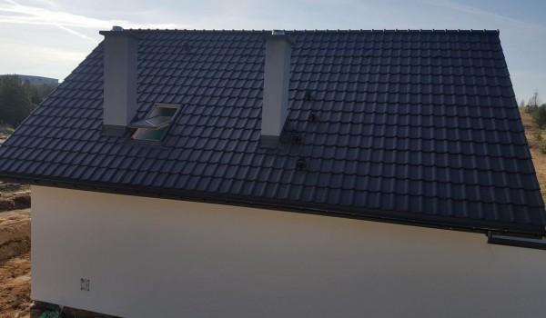 Dachy domów jednorodzinnych w budowie 8