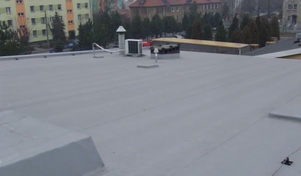 Dach z klimatyzatorem