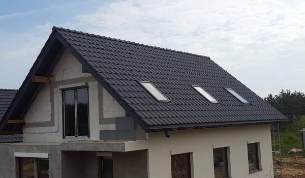 Dachy domów jednorodzinnych w budowie 7