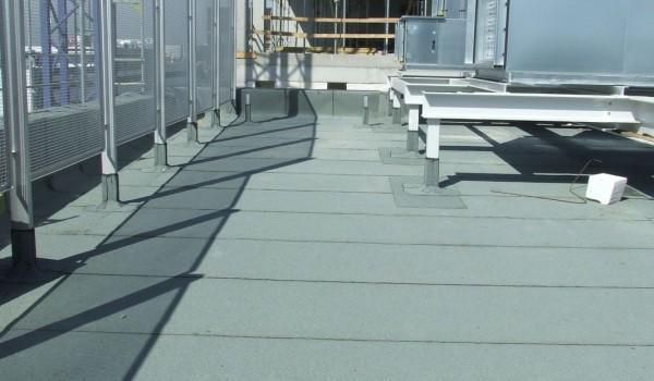 Klimatyzator przemysłowy na dachu