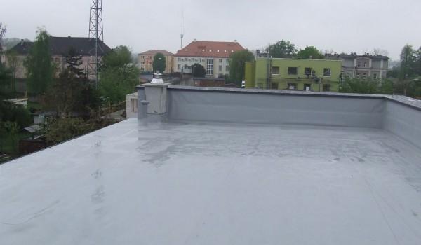 Dach budynku z wywietrznikiem