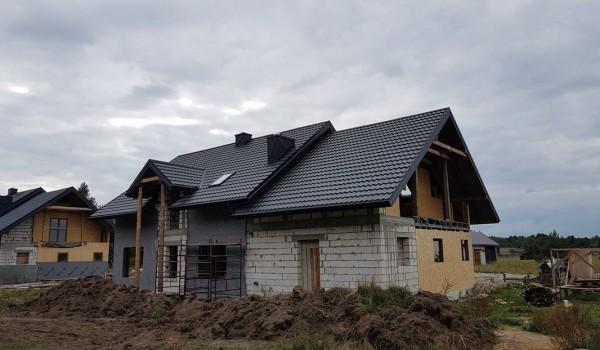 Dach domu jednorodzinnego w budowie 2
