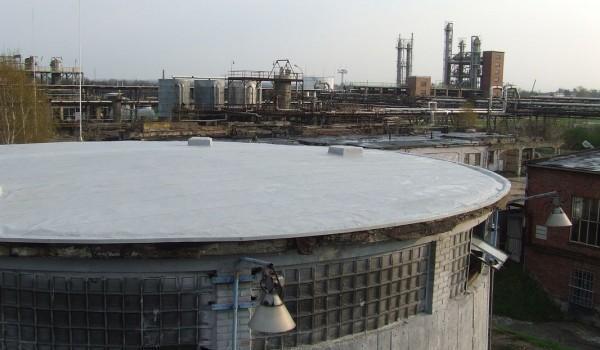 Dach z wywietrznikami przy fabryce 2